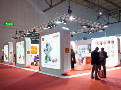 What are the benefits of participating in an exhibition?
